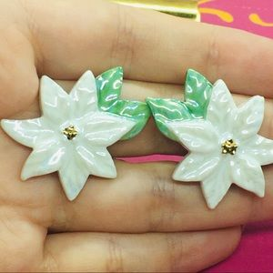 Vintage Clips white Poinsettia